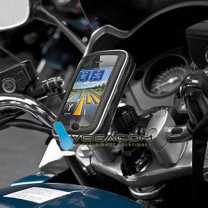 Uchwyt na telefon sprawdzi się też na motorze.